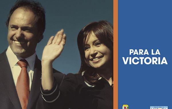 La nueva campaña de gráfica callejera con Scioli y Cristina.