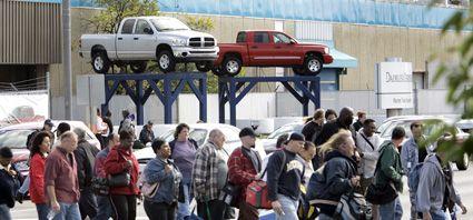 La vapuleada General Motors anunció recortes en su producción
