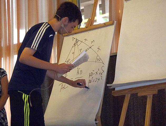 Un rosarino de 16 años, uno de los campeones en matemática del país