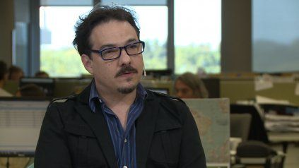El actor, director y guionista Fernán Mirás está estable luego de ser operado por un aneurisma cerebral.