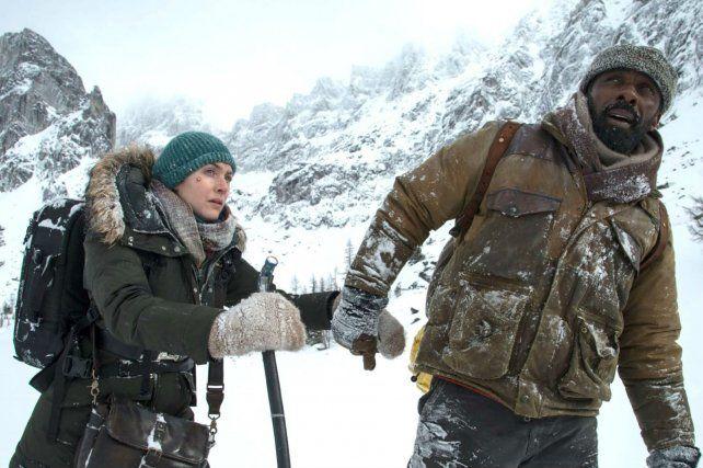 Al límite. Kate Winslet e Idris Elba rodaron en Canadá con jornadas a más de 30 grados bajo cero.