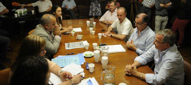 Los estudiantes amenazaron con iniciar una demanda legal a los concejales por el incumplimiento de una ordenanza municipal.