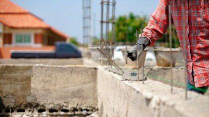 En agosto de 2021 el consumo de asfalto, de hierro redondo y aceros se incrementó un 125,3% y 199,7%.