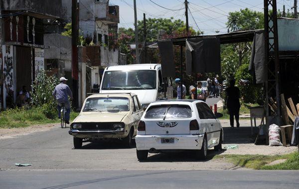 Jonathan Herrera fue alcanzado por una bala cuando lavaba un auto en Ayacucho y Seguí. (foto: Virginia Benedetto)