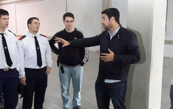 Cleri visitó a los Bomberos Voluntarios.