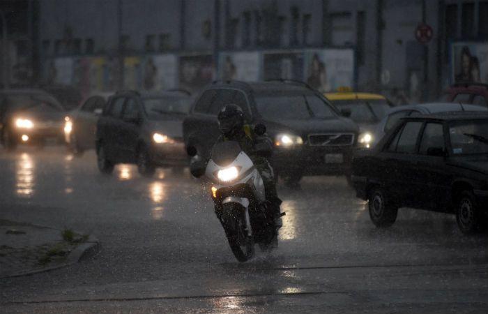 La lluvia de hoy por momentos fue intensa. (Foto: Héctor Río).