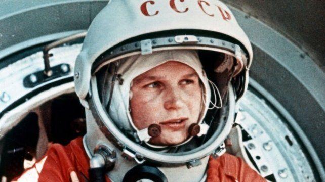 Valentina Tereshkova fue la primera mujer en viajar al espacio en una nave soviética.