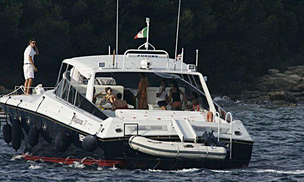 Berlusconi está envuelto en otro escándalo por mujeres