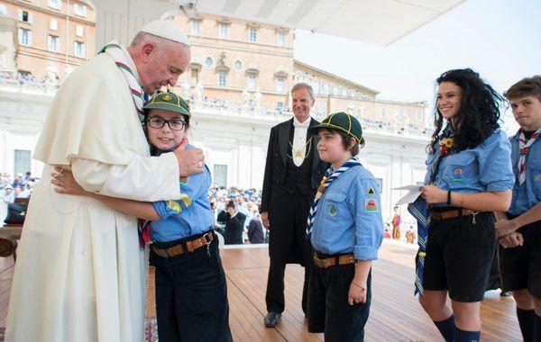El papa Francisco también habló ante 90 mil scouts en la plaza San Pedro.