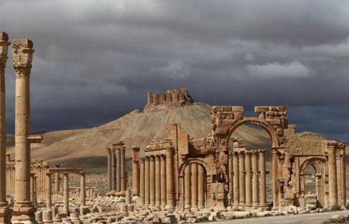 El Estado Islámico ejecutó a tres personas dinamitando parte de las ruinas sirias de Palmira