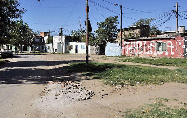 Territorio. En La Tablada los vecinos toman sus recaudos para no ser víctimas de la violencia que golpea la zona.