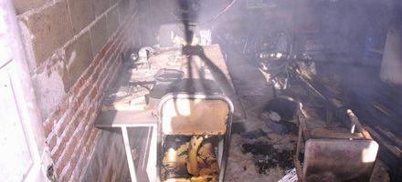Alvear al 4500: un hombre murió tras una explosión y un incendio en su casa