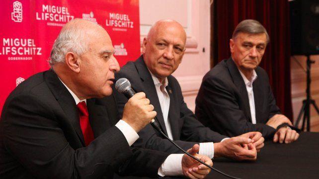 El 22 de diciembre se oficializa la candidatura de Lifschitz a gobernador en la ciudad de Santa Fe. Lo acompañan Bonfatti y Binner.