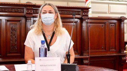 Una diputada pide informes sobre la distribución de vacunas en Santa Fe
