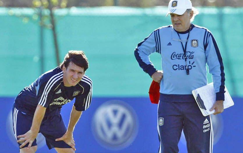Alejando Sabella explicó que Lionel Messi fue citado para el partido de eliminatorias contra Paraguay porque el rosarino tiene varios días por delante para recuperarse de la lesión