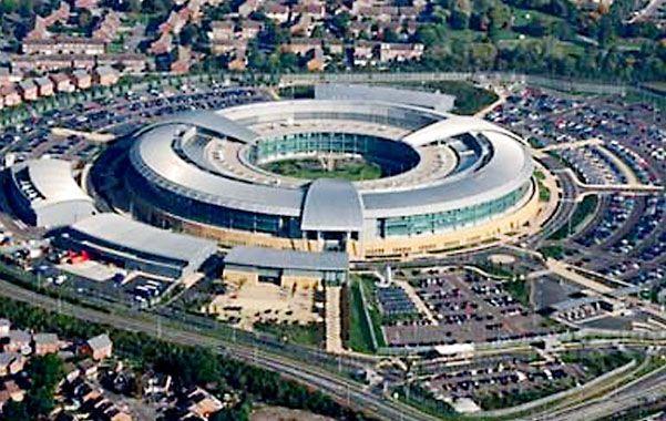 Bajo vigilancia. La agencia de seguridad del Reino Unido se infiltró en las redes de comunicaciones.