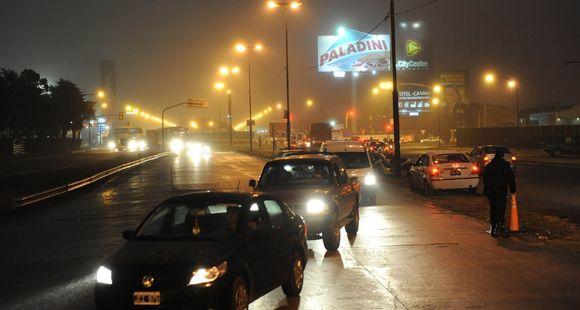 Por niebla cerraron la autopista a Buenos Aires y hay tránsito asistido en Circunvalación