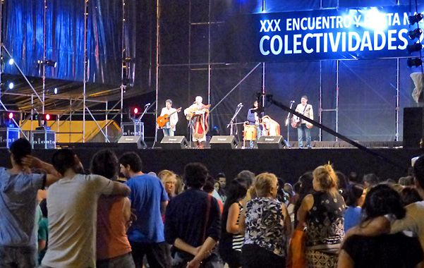Escenario mayor. El sitio congrega cada noche a los espectáculos más importantes del encuentro. (foto: Angel Amaya)