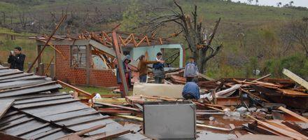 La presidenta Cristina recorrió la zona afectada por el temporal en Misiones