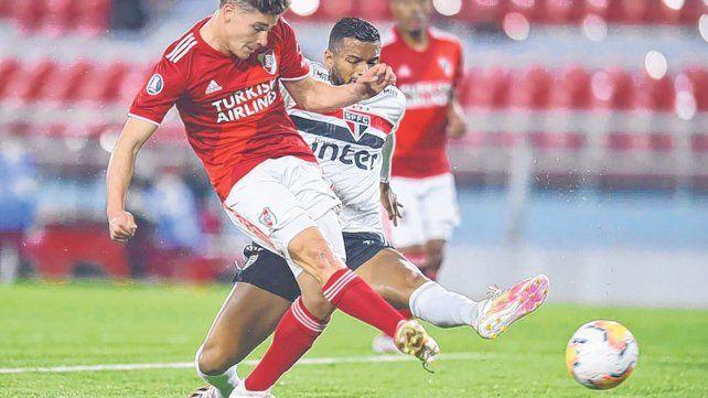 implacable-julian-alvarez-el-juvenil-goleador-del-millonario-anota-derecha-el-primer-tanto-su-cuenta