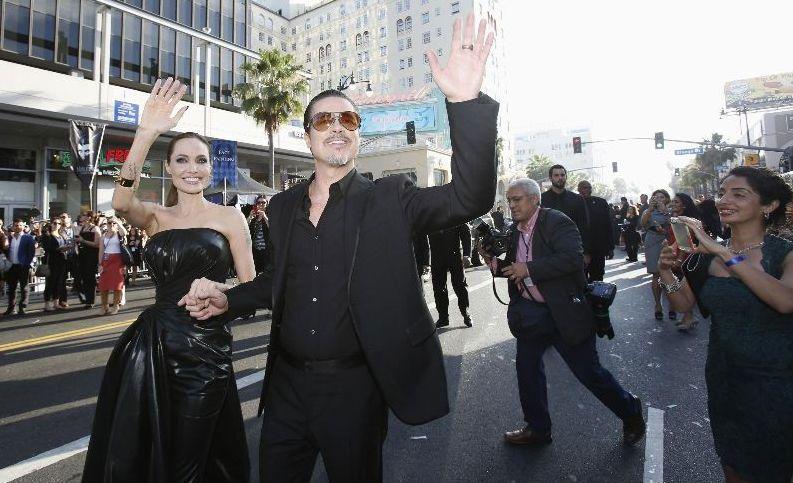 El reportero de la televisión ucraniana que abofeteó a Brad Pitt fue detenido por la policía de Los Angeles.