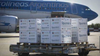 Llegan al país más dosis de vacunas para combatir la pandemia del coronavirus
