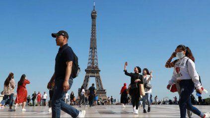 Tras permancer 9 meses cerrada por la pandemida de coronavirus, este miércoles reabre la Torre Eiffel.
