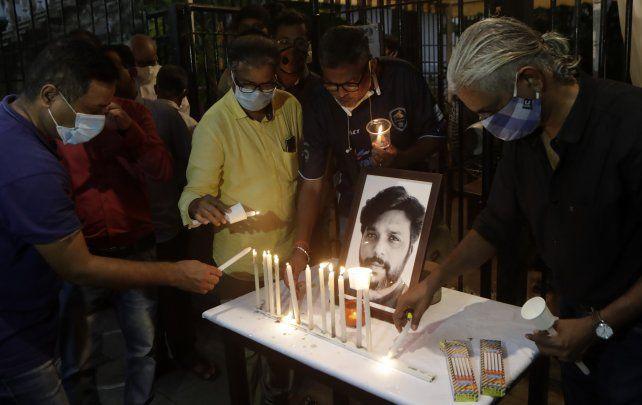 Colegas homenajean a Siddiqui en Mumbai