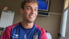 El zaguero rosarino, de 24 años, surgido en Boca Juniors fue sometido a una artroscopia por una lesión en los meniscos.