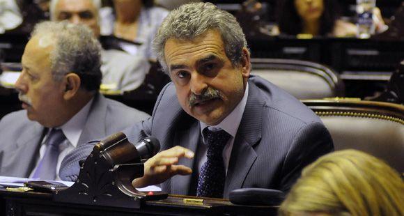 Agustín Rossi seguirá siendo el presidente del bloque kirchnerista en Diputados