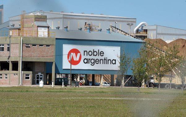 Presencia. La multinacional Noble tiene una planta y puerto en Timbúes.