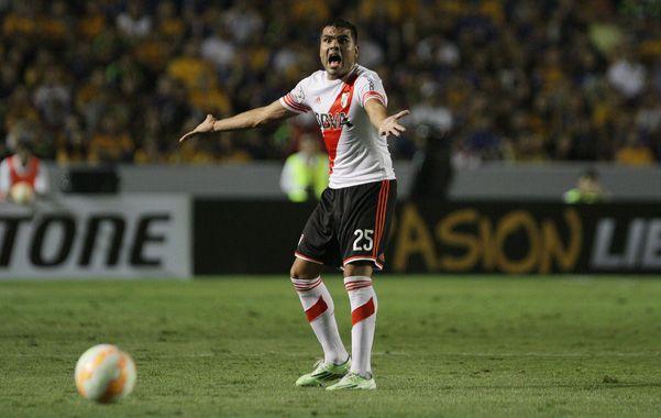 Juega. Mercado fue expulsado en México y será titular en el Diego Armando Maradona.