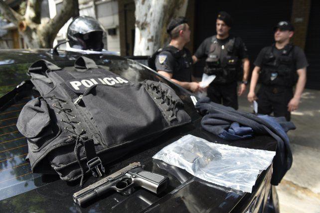 Detienen a un policía y a dos cómplices por intentar asaltar a un conductor
