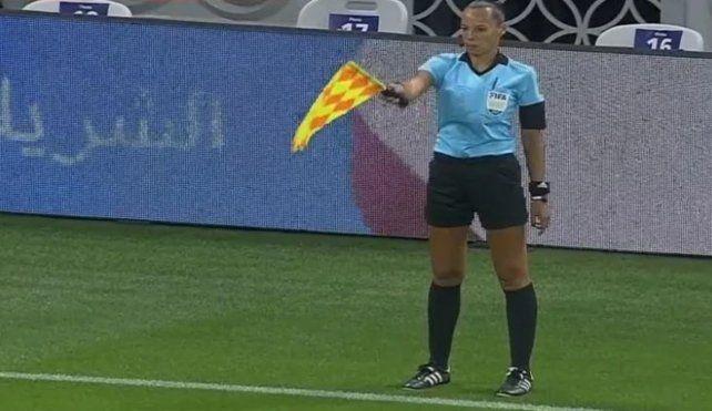 Mariana De Almeida hizo historia en el referato argentino al formar parte de la terna arbitral femenina en el Mundial de Clubes.