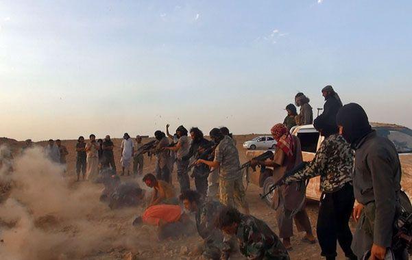 Combatientes del grupo Estado Islámico ejecutaron a 250 miembros del Ejército sirio