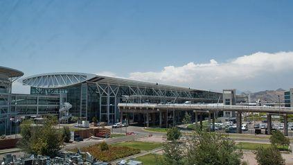 El Aeropuerto Internacional de Santiago, principal de Chile, ubicado en la zona norte de la capital.