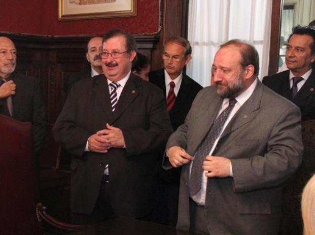 El concejal socialista se distanció del pedido judicial del rector de la UNR por la autonomía de Rosario.