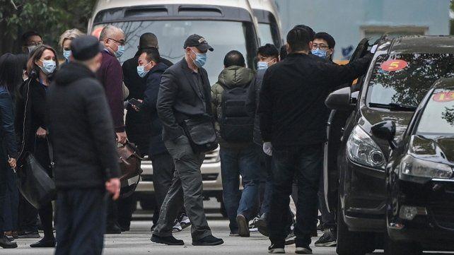 En análisis. Los investigadores que trabajaron en Wuhan no descartan la posibilidad de que el virus haya llegado en carne congelada.