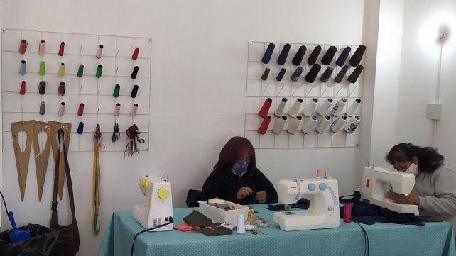 El emprendimiento textil ya funciona en su nueva sede de Rivadavia al 1300.
