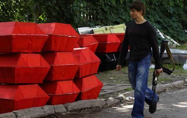 Siniestro. Los ataúdes se apilan en Donetsk