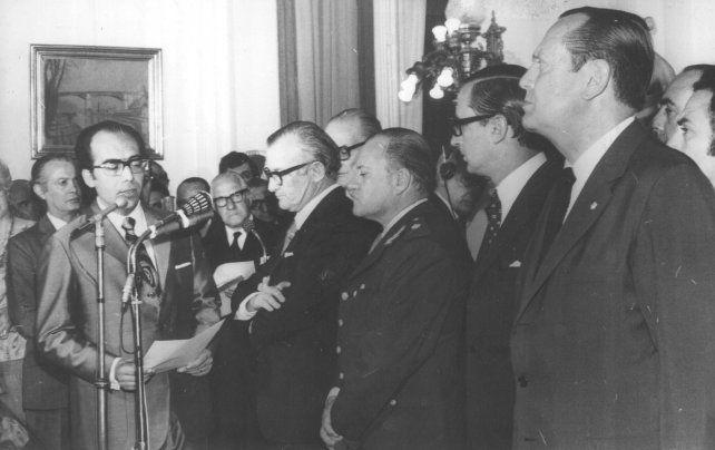 El prestigioso médico cardiólogo Pablo Benetti Aprosio jura el viernes 29 de octubre de 1971como intendente.