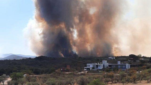 Tras cinco meses de sequía, llovió en Córdoba y se apagaron los incendios
