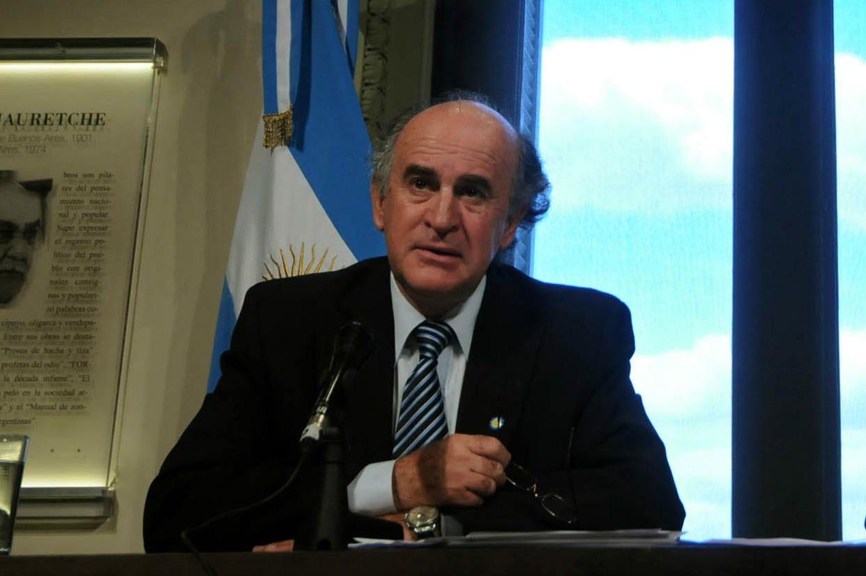 """señor 5. Parrilli destacó """"la valentía y la decisión política de la presidenta"""" de promover una reforma a la Inteligencia."""