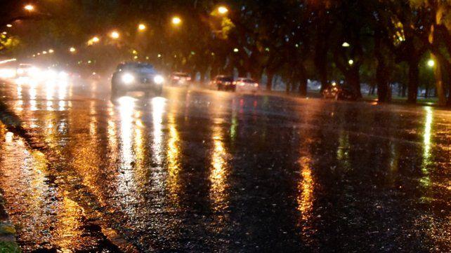 Renovaron el alerta por tormentas fuertes para Rosario y zona
