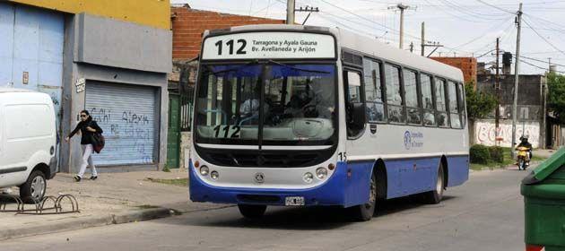 El robo tuvo lugar en un colectivo de la línea 112. (Foto de archivo).