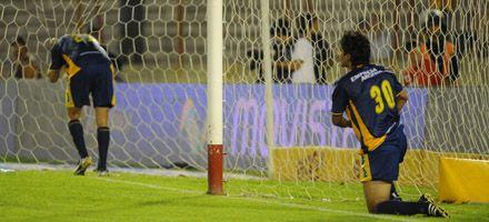 Central perdió 1 a 0 con el Globo y sigue atado a la zona de promoción