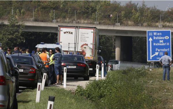 Es el segundo camión hallado con personas trasladadas en condiciones infrahumanas por rutas de Austria.