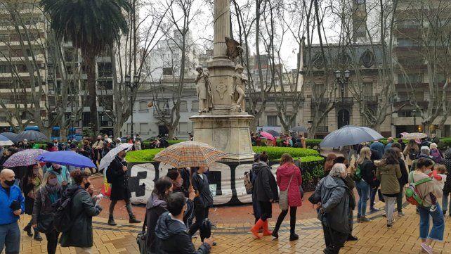 Madres y Abuelas de la Plaza 25 de Mayo volvieron a la tradicional ronda de los jueves