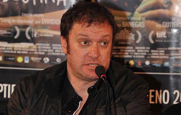 La nota publicada por El País molestó el director.