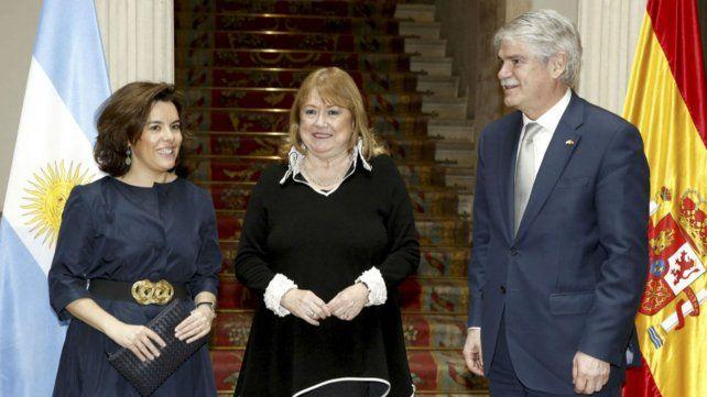 Susana Malcorra junto a su par español Alfonso Dastis.